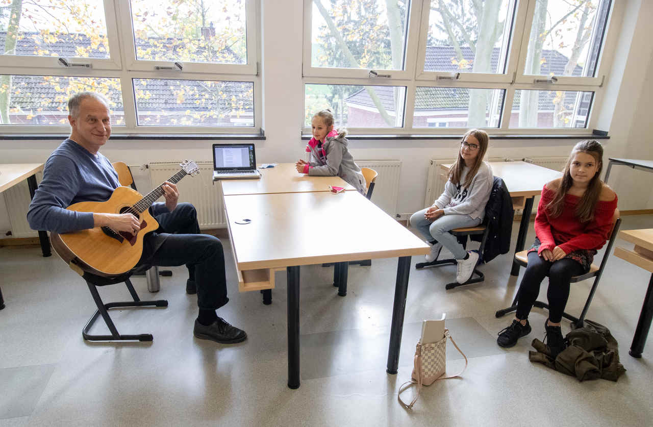 Kulturrucksack: Cajònbau und Songwriting in den Herbstferien