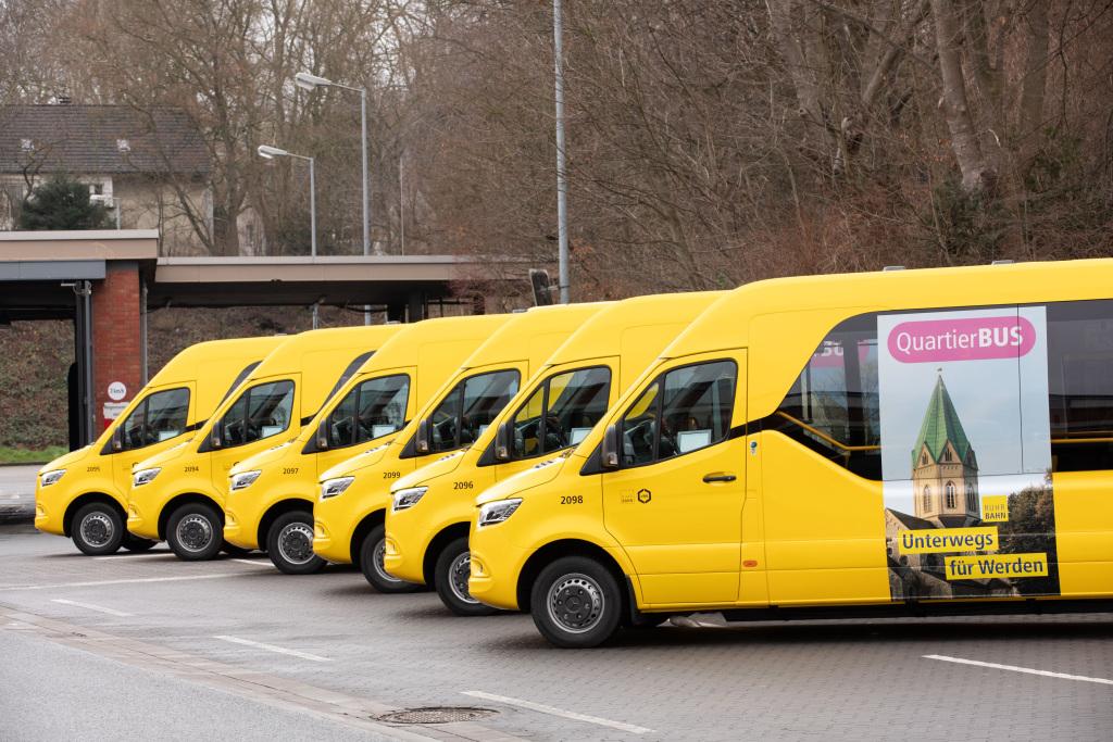 Minibusse mit Stern verbinden: