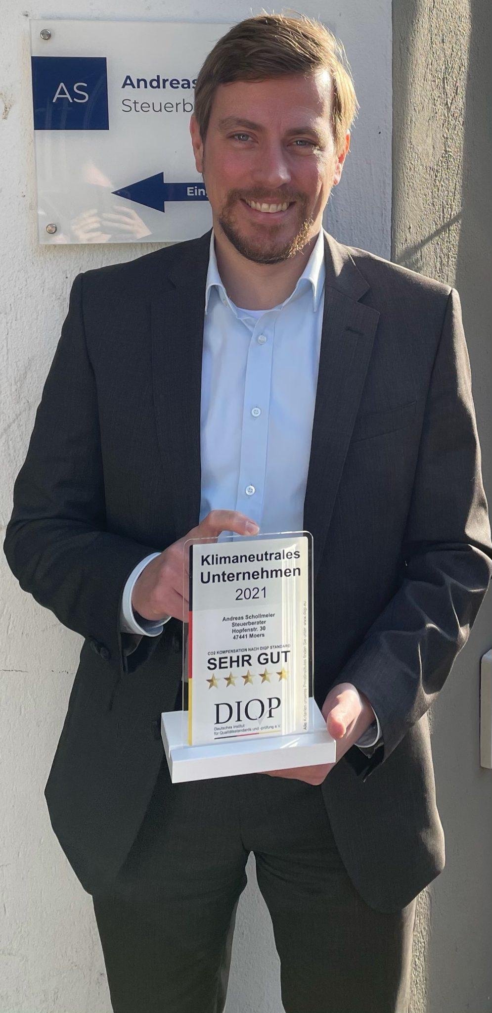 Erster Steuerberater aus Nordrhein-Westfalen als klimaneutrales Unternehmen vom DIQP ausgezeichnet